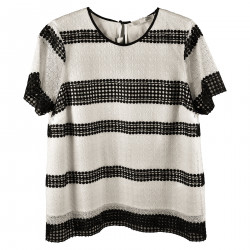 WHITE AND BLACK BLUSA WITH GEOMETRIC INSERT