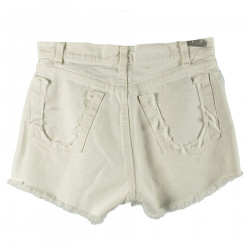 WHITE DENIM SHORTS WITH RIPPED DETAILS