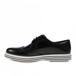 BLACK LACE UP SHOE WITH STRIPED SOLE