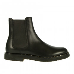 BLACK BEATLE BOOT WITH STUDS