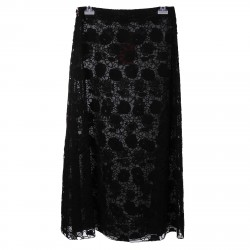 BLACK SKIRT WITH EMBROIDERED FLOWERS