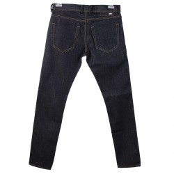 BLUE JEANS WITH VISIBLE SEAM