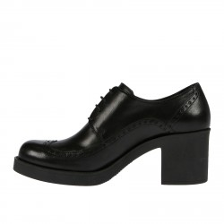 BLACK WINGTIP LACE UP SHOE WITH HEEL
