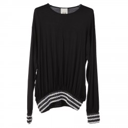 BLACK SWEATER WITH WAIST AND WRISTS DETAIL
