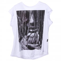 WHITE T SHIRT WIT FRONT PRINT