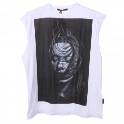 WHITE T SHIRT WITH WOMAN PRINTED
