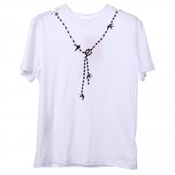 WHITE T SHORT WITH PRINT NECKLACE