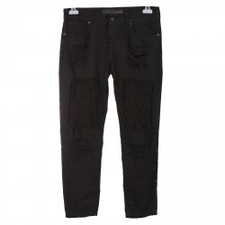 BLACK JEANS WITH POINTED BEAR AND RIPPED