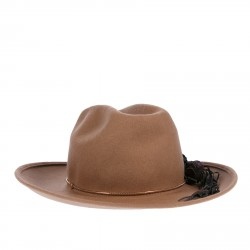 CAMEL WOOL CAP WITH FLOWERS APPLICATIONS