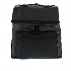 BLACK BACKPACK WITH FLAP CLOSURE