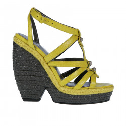 LEATHER YELLOW SANDAL WITH RAFFIA CONTRASTING SOLE