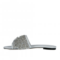 WHITE FLAT SANDAL WITH APPLICATIONS