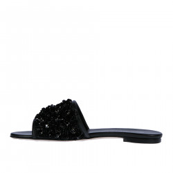 BLACK FLATSANDAL WITH APPLICATIONS