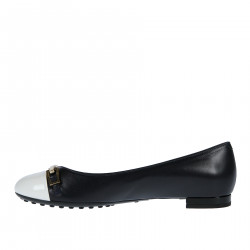 BLACK AND WHITE FLAT SHOES