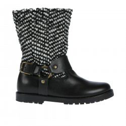 BLACK AND WITHE FABRIC AND LEATHER BOOT