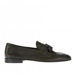 BROWN LEATHER LOAFER WITH TASSELS