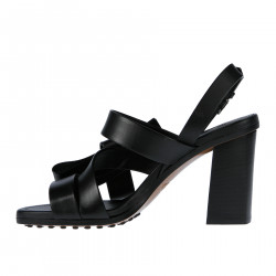 BLACK LEATHER SANDAL WITH BOW