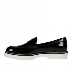 BLACK LEATHER LOAFER WITH CONTRASTING SOLE