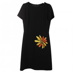 BLACK DRESS WITH FLOWER APPLICATION