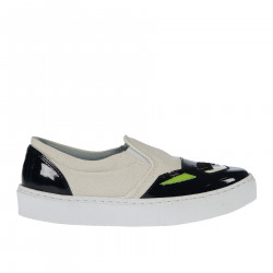 BICOLOR FABRIC AND PATENT LEATHER SLIP ON