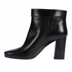 BLACK BOOT WITH BUCKLE