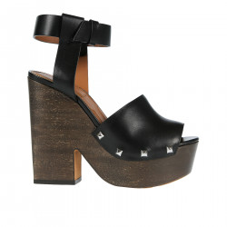 BLACK WEDGE SHOE WITH STUDS
