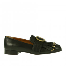 BLACK LOAFER WITH FRINGES AND EYELETS