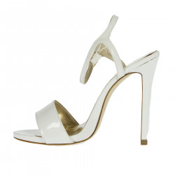 WHITE GLOSSY VARNISH SANDAL