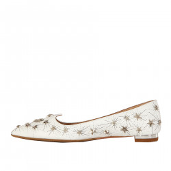 WHITE LEATHER FLAT WITH STARS
