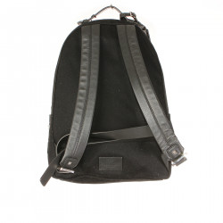 BLACK BACKPACK WITH FRONTAL WRITTEN