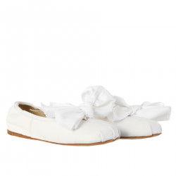 WHITE FLAT SHOES WITH BOW