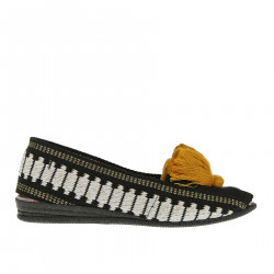 BLACK AND WHITE ESPADRILLAS WITH YELLOW PON PON
