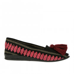 BLACK ESPADRILLAS WITH PURPLE PON PON
