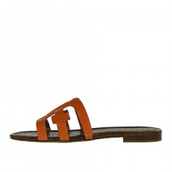Low sandal in leather