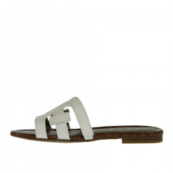 Low white leather sandal