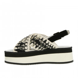 BLACK AND WHITE FLATFORM SANDAL WITH STONES