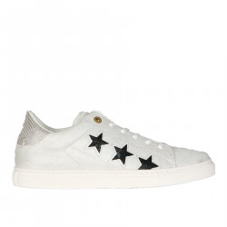 LIGHT GREY SNEAKER WITH BLACK STARS