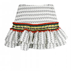 WHITE SKIRT WITH APPLICATIONS