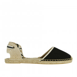 BLACK SANDAL