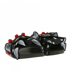BLACK SLIPPERS WITH POISED BALZA