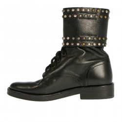 BLACK BOOTS WITH STUDS