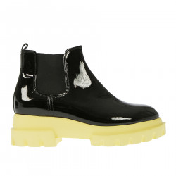 BLACK PATENT LEATHER CHELSEA BOOT