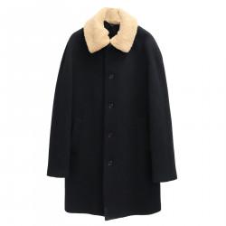 BLACK COAT WITH BEIGE NECK