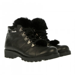 BLACK BOOT WITH ECO FUR INSERTS