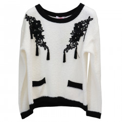 WHITE SWEATER WITH FLOWER APPLICATIONS