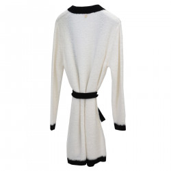 WHITE CARDIGAN WITH BLACK PROFILE