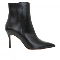 BLACK LEATHER ANKLE BOOT
