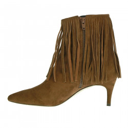 BROWN BOOT WITH FRINGES