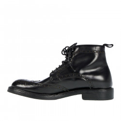 BLACK WINGTIP BOOT