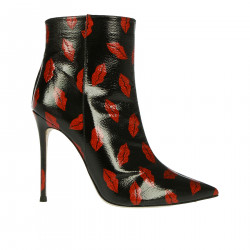 BLACK BOOT WITH KISSES FANTASY